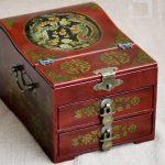 HOT SALE -2017 Christmas Unique gift BEST present retro <b>antique</b> vintage red wood Jewel <b>Jewelry</b> Box cosmetic mirror box