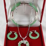 Jewelry Set <b>Silver</b> hook>genuine Natural green stone dragon pendant earrings <b>bracelet</b> set AAA style