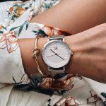 shengke Women Watch Elegant Brand Famous Luxury <b>Silver</b> Quartz Watches Ladies Steel Antique Geneva Wristwatches Relogio 2018 Gift