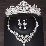 New Crown Necklace Earring Wedding <b>Jewelry</b> Sets For Brides Crystal Pearl Silver Plated <b>Jewelry</b> Tiara Hair <b>Accessories</b> HG063TL029