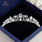Bavoen Top Quality Simple Zircon <b>Wedding</b> Crowns Tiaras Crystal Brides Headpieces <b>Wedding</b> Hair <b>Jewelry</b> Prom <b>Jewelry</b> Birthday Gift