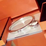 Hot Brand Pure 925 Sterling <b>Silver</b> Jewelry For Women Men Letter Round H Lock Jewelry Set <b>Silver</b> Bangle Ring Set France Quality