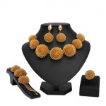 2018 New <b>Fashion</b> Dubai <b>Jewelry</b> Set Gold Color Romantic Nigerian Wedding African Beads Costume <b>Jewelry</b> For Women customer design