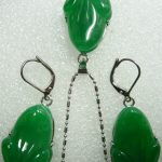 real silver-<b>jewelry</b> Women's Wedding Lady's beautiful carved green stone frog beads pendant earring set