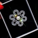 Sparkly Cubic Zirconia Flower Brooch Hollow Floral Pins Brooches <b>Handmade</b> Fashion Women Corsage <b>Jewelry</b> Gift for Wedding Party