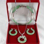 Free shipping .263 genuine Natural green dragon pendant earrings bracelet set