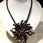 Fashion Mop <b>jewelry</b> Black Freshwater pearl <b>handmade</b> mother of shell flower necklace with woven leather
