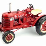 Vintage tractor model iron ornaments Home Furnishing <b>jewelry</b> retro soft mounted decoration crafts creative handmade decorations