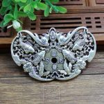 Do the old <b>antique</b> <b>jewelry</b> exquisite double Cupronickel hand carved bat fish brand Pendant