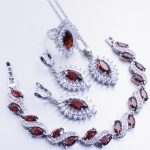 The 925 silver-red gem <b>makes</b> perfect necklaces, rings and earrings for women