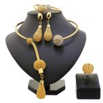 2018 New Fashion African Beads <b>Jewelry</b> Set Exquisite Carved Dubai Pure gold -color <b>Jewelry</b> Set Nigerian <b>Wedding</b> Bridal Bijoux