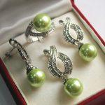 Prett Lovely Women's Wedding Green Shell Pearl Pendant Necklace Earrings Ring Set >AAA Bridal wide watch wing brinco