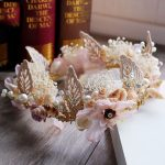 New Crown Continental Baroque Shell Simulation Flower Bridal Headdress Rhinestone Tiara Wedding Dress Accessories <b>Jewelry</b> Beach