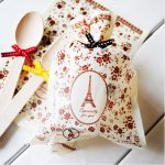 Wholesale Eiffel Tower Top Open Plastic Bags, <b>Jewellery</b> Cookie Bags For Wedding Party Tabelware <b>Decoration</b> Supplies 13*20 cm