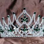 Gorgeous Simulated Emerald Tiara Full Round Crowns Rhinestones Crystal Brides Headband Pageant Party Prom Fashion Hair <b>Jewelry</b>