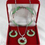 Free Shipping >>new hot genuine Natural green stone dragon pendant earrings <b>bracelet</b> set