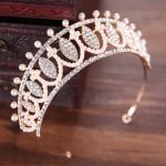 TUANMING Classic Gold Wedding Hair Accessories Bride Tiaras And Crowns Women Hair Wear Pearl Rhinestone Hair <b>Jewelry</b>