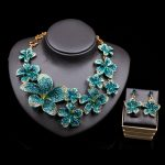 XT QU high quality flower <b>necklace</b> and earring for wedding bride <b>jewelry</b> austrian crystal <b>jewelry</b> set for girl free shipping