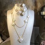 Brand Wedding Jewelry Set For Women Gold Color Necklace Big White Mother Shell Pearl Clover Leaf Necklace Earrings Set 11 Flower