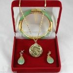 Hot selling@> Wholesale Latest ! Fashion jewelry green Natural stone necklace pendants, earrings , <b>bracelets</b> Set Natural jew -Br