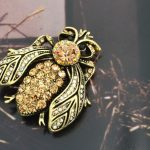 Bee brooches/new2014 designer brand luxury fashion <b>jewelry</b> wholesale/for women/broche abelha/pin/boutonnieres/<b>accessories</b>/bijoux
