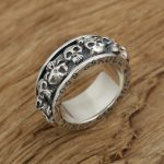Factory wholesale sterling silver <b>jewelry</b> <b>handmade</b> silver rings S925 personality Mens skull rotating ring